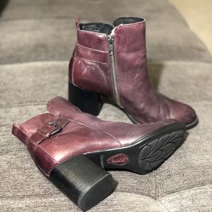 Born Leather Heels Ankle Boots Burgundy Sz.6M
